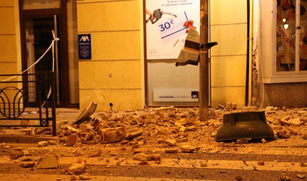 Aspecto de una de las calles de Melilla tras el terremoto.
