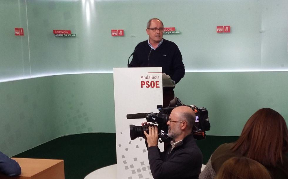 Juan Cornejo, este lunes en la sede del PSOE andaluz.