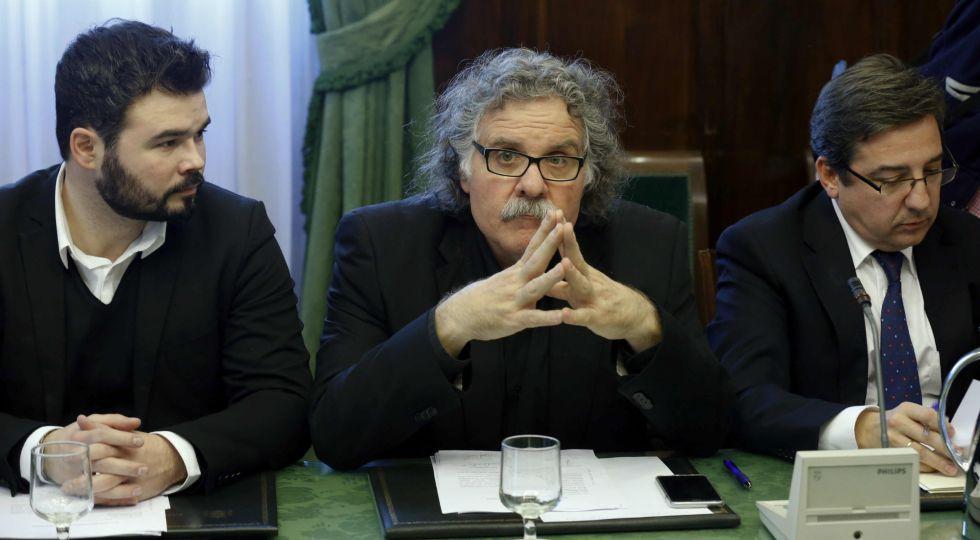 Los diputados Gabriel Rufián y Joan Tardá, de ERC, y Carlos Salvador, de UPN