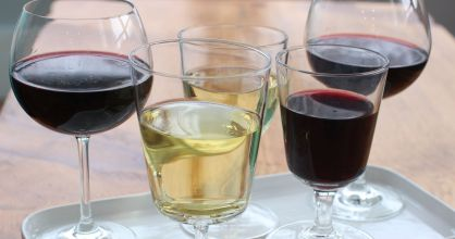 Cada copa de vino representa una unidad de alcohol.