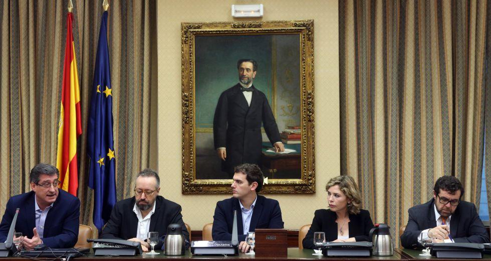 Reunión de Albert Rivera en el Congreso