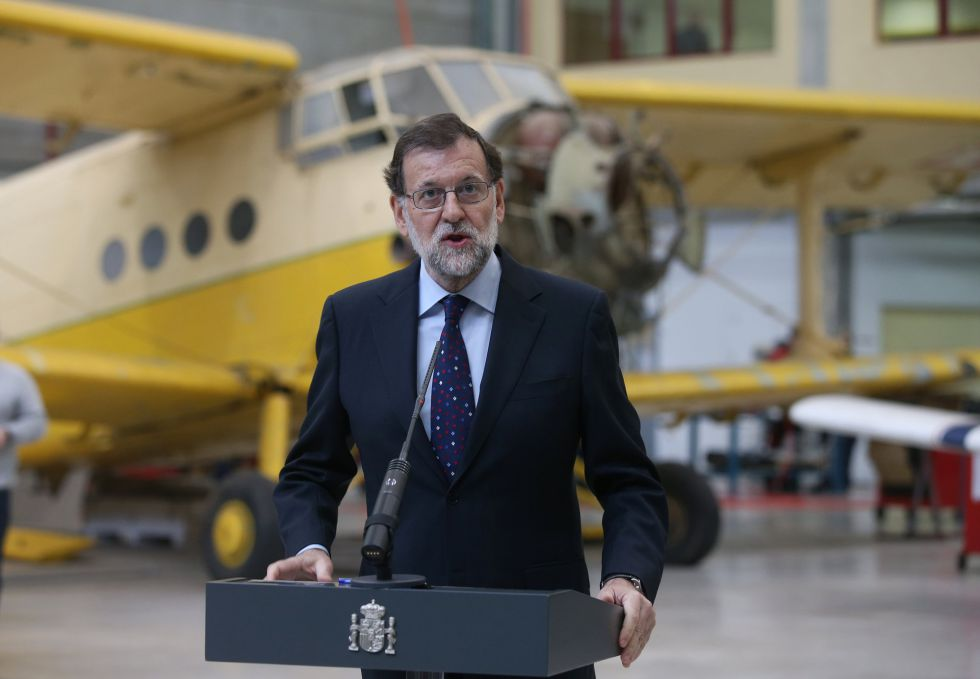 Acting Prime Minister Mariano Rajoy speaks at a professional training center on Thursday.