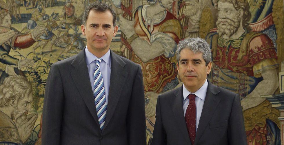 El Rey y Francesc Homs, de Democràcia i Llibertat, este viernes.
