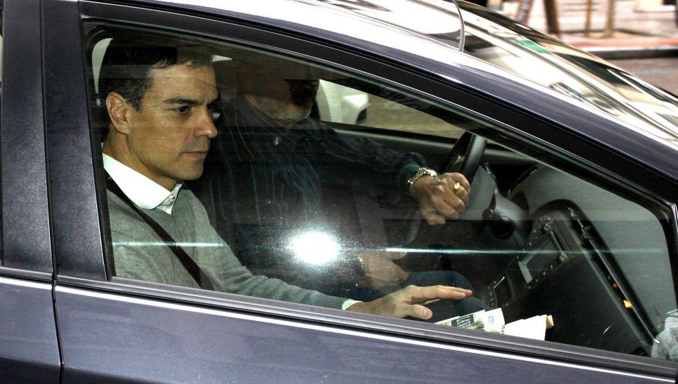 Pedro Sánchez llega a la sede socialista este viernes.