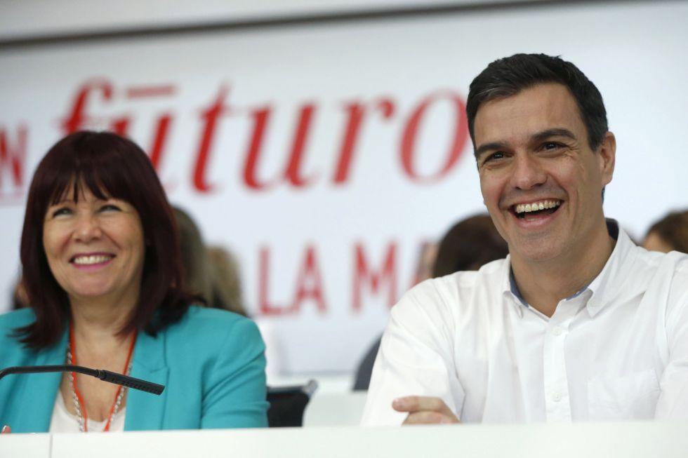 Micaela Navarro y Pedro Sánchez, hoy en la reunión del Comité Federal.