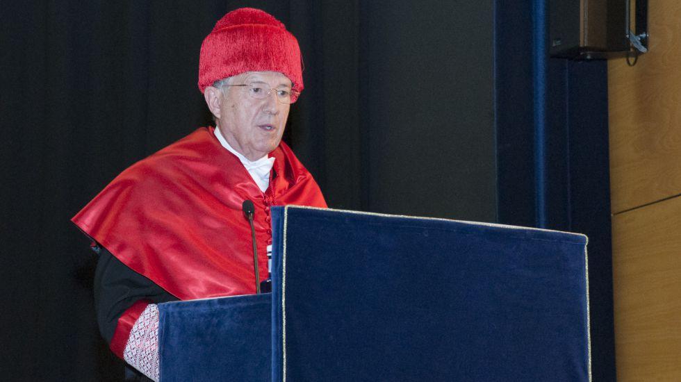 El direcor del CNI, Félix Sanz, durante su discurso de investidura como doctor honoris causa.