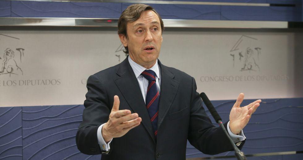 Rafael Hernando, durante la rueda de prensa.
