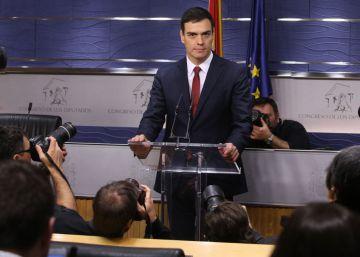 Rajoy frena su candidatura a la espera de un fracaso socialista