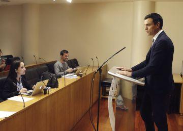Rivera negocia un pacto de legislatura con Sánchez, pero exige que esté el PP