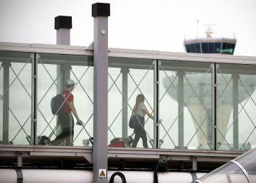 La Guardia Civil no halla explosivos en el vuelo Madrid-Riad de Barajas