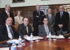 Representantes de las Reales Academias, momentos antes de leer el manifiesto por un pacto educativo.