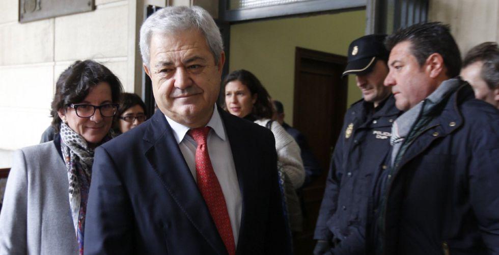 El exconsejero andaluz Francisco Vallejo, a su salida de los juzgados.