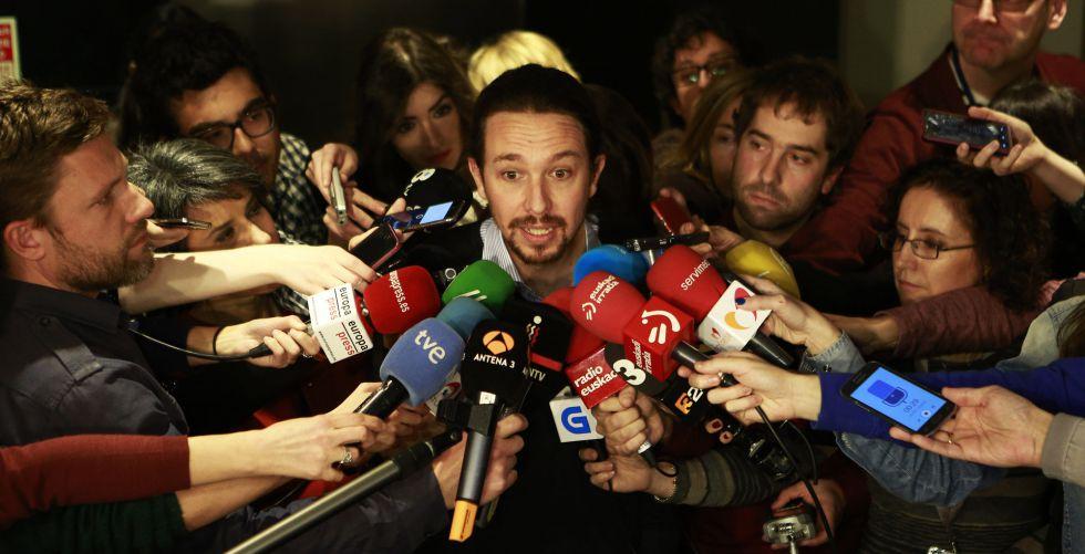 El líder de Podemos, Pablo Iglesias, tras una entrevista.