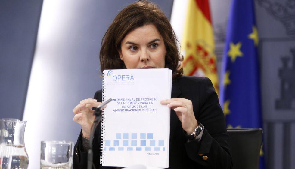 Soraya Saénz de Santamaría, este viernes, tras el Consejo de Ministros.