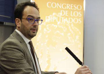 PSOE y Podemos no se ponen de acuerdo para empezar a hablar