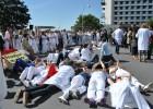 Gestantes de tres meses abortan solas en el hospital de A Coruña
