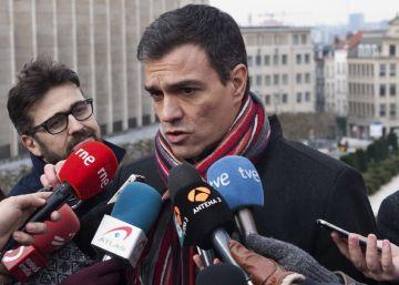 Sánchez negocia solo su investidura e Iglesias quiere un pacto de Gobierno