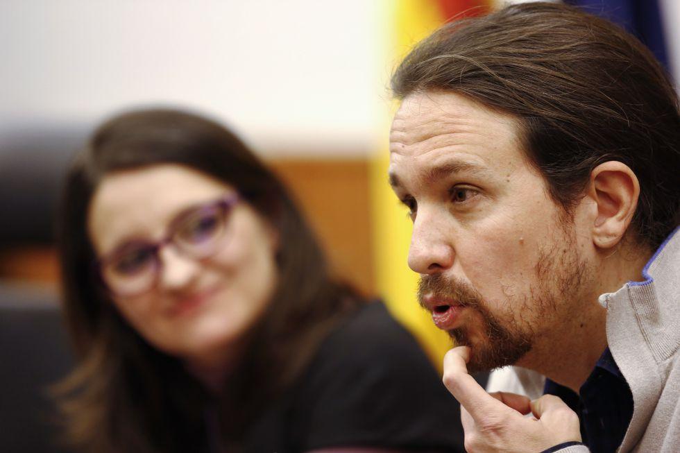 Pablo Iglesias y Mónica Oltra durante la rueda de prensa posterior a la reunión.