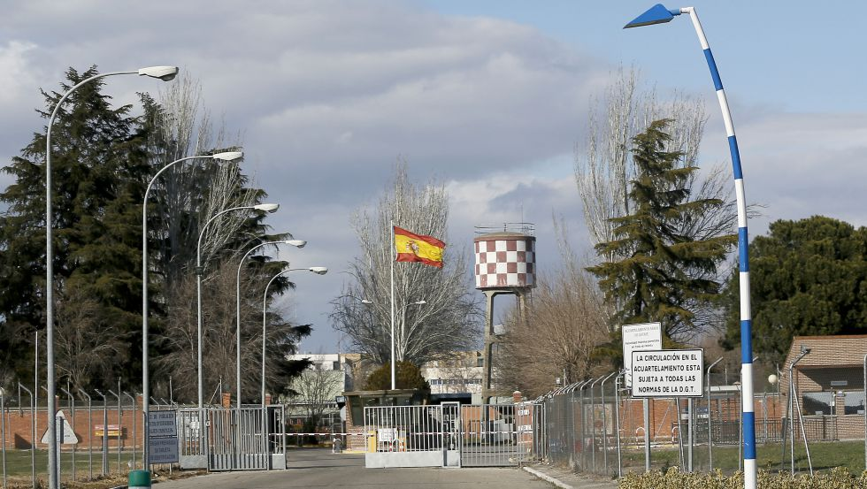 Entrada del Acuartelamiento Aéreo de Getafe (Madrid).