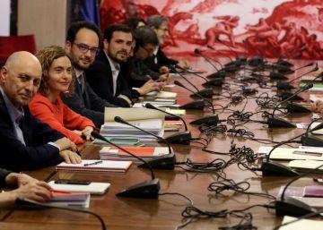 El PSOE negocia simultáneamente con la izquierda y Ciudadanos