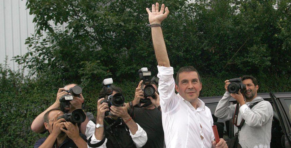 Arnaldo Otegi, en agosto de 2008, tras abandonar la cárcel de Martutene.