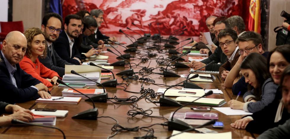 Representatives of the Socialists, Podemos, United Left and Compromís at the meeting on Monday.