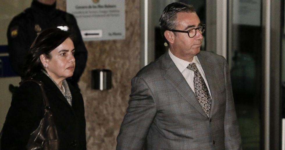 Torres, a la salida de los juzgados en los que se celebra el 'Caso Nóos'.