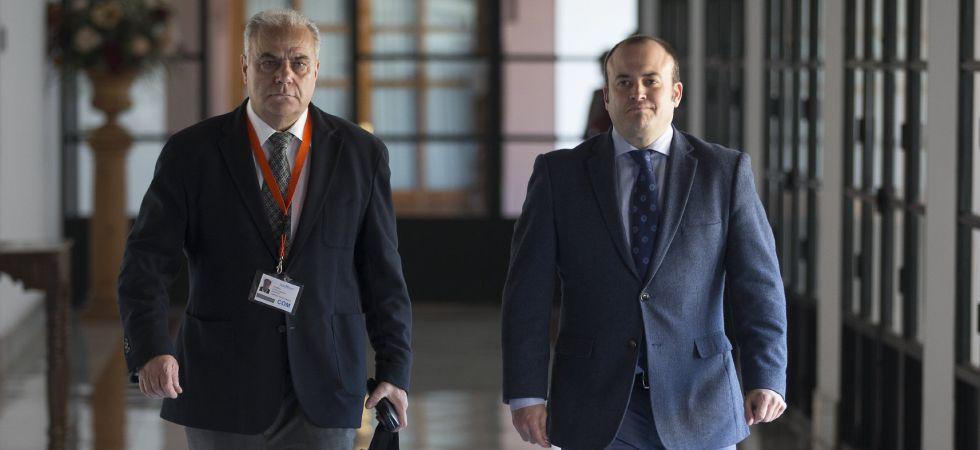 El interventor en Almería, Juan José Castillo (izquierda) y el presidente de la comisión Julio Díaz.