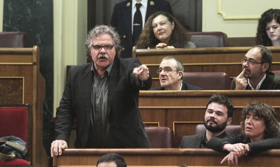 El portavoz parlamentario de ERC, Joan Tardà (i), y el portavoz adjunto, Gabriel Rufián (d), este viernes en el Congreso.