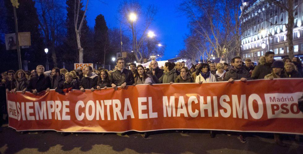 Pedro Sánchez, en la cabecera de la manifestación.
