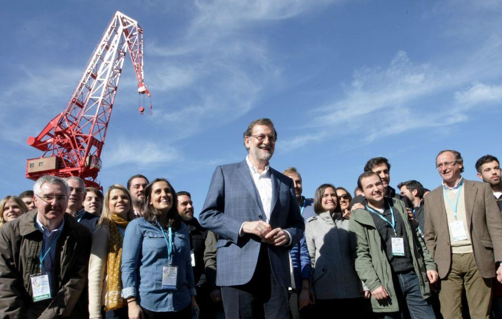Mariano Rajoy asiste a un congreso de Nuevas Generaciones del PP el pasado febrero en Bilbao.