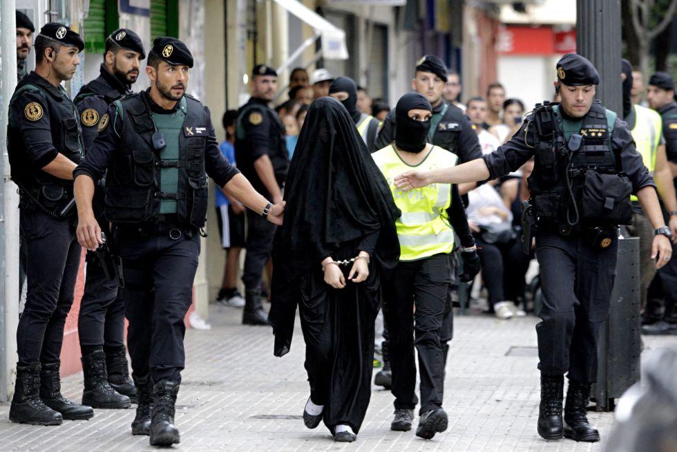 Una joven de origen marroquí, detenida en que ha sido detenida en Gandía (Valencia) por su presunta vinculación al yihadismo.