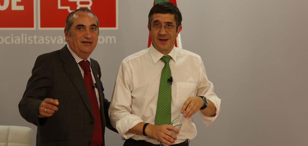 El secretario general del PSE de Gipuzkoa, Iñaki Arriola, con Patxi López.
