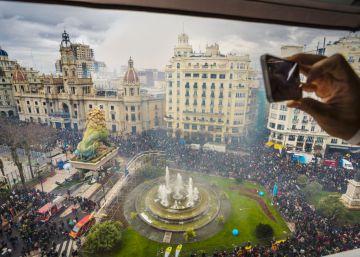 El Gobierno de Puigdemont incluye las Fallas en una web sobre fiestas catalanas