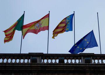 El Parlamento navarro retira la bandera de la UE por el acuerdo de los refugiados