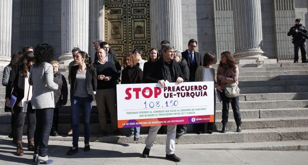 Manifestación ante el Congreso en contra del acuerdo, el pasado miércoles.