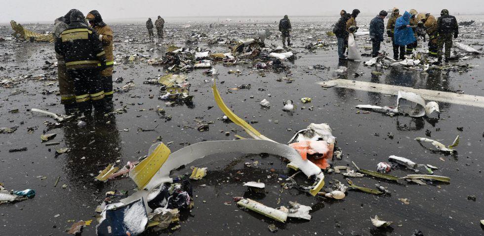 Restos del avión de la compañía FlyDubai siniestrado en Rusia.