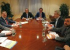 El PSOE y Ciudadanos defienden su pacto ante la patronal