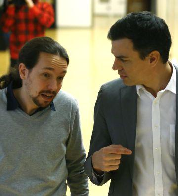 Pablo Iglesias y Pedro Sánchez, el pasado febrero en el Congreso.