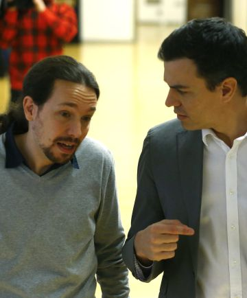 Pablo Iglesias and Pedro Sánchez last February in Congress.