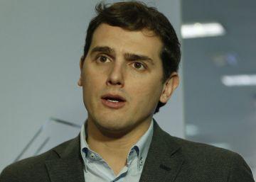 Sánchez intentará la abstención de Iglesias sin romper con Rivera