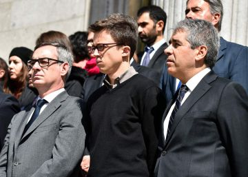 Errejón reaparece en un acto del Congreso por los ataques en Bruselas pero mantiene su silencio