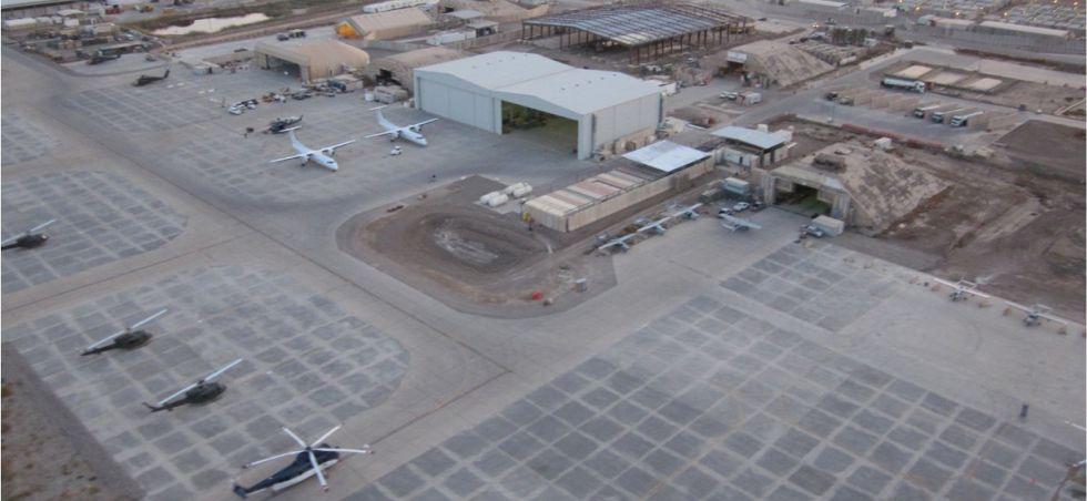 Helicópteros del INL Air Wing en una base de Irak.