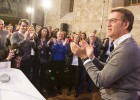 Feijóo acepta quedarse en Galicia para la difícil pugna electoral