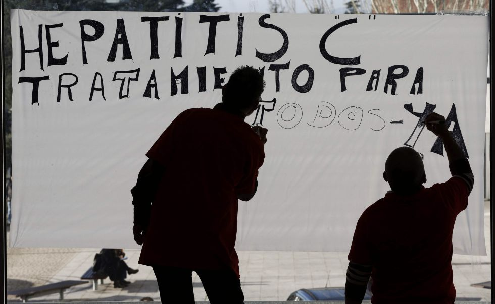 Protesta hace un año en Pamplona para pedir acceso a los nuevos medicamentos.