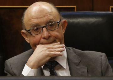 El PSOE pide la comparecencia de Montoro por reunirse con Aznar