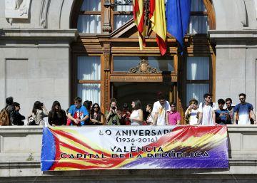 El Gobierno pide la retirada de banderas republicanas en Valencia