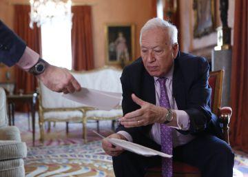 """""""Abrir la sucesión de Rajoy pondría en riesgo el futuro del PP"""""""