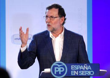 Rajoy evita hablar de Soria y se dedica a la campaña electoral