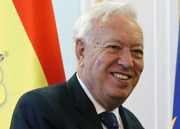 Margallo aconseja a Rajoy no aceptar un encargo del Rey para formar Gobierno